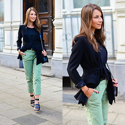 Stephanie Van Klev - Zara Chino Pants, Zara Blazer, Chanel Boy Bag, Zara High Heel Sandals, Jaqueline De Yong Black Basic Tee - BLACK & GREEN :: CHINO PANTS & BLAZER