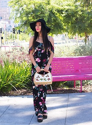 Nomadic Heels - Urban Outfitters Hat, Forever 21 Dress, Vintage Purse - Floral vibes in hot LA