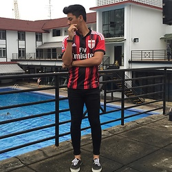 Sham S. - Adidas Ac Milan Jersey, Topman Spray On Jeans, Sneakers - Forza Mílan