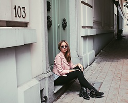 "Anastasya Chernook - Zara Pink Faux Leather Jacket, Asos Booties, Quay Mirrored ""All My Love"" Australia Sunglasses - Rock ballerina"
