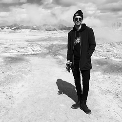 Mike Gajer - Hype Beanie, Ray Ban Sunglasses, Carhartt Hoodie, Minimal Coat, Acne Studios Black Jeans, Timberland Boots - Burning Mountain Coolness