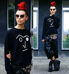 Milex X - Basus Sweatshirt, Skinny Dip Bum Bag, Buffalo Platforms, Lemonade Clothing Cullotes, Fendi Sunglasses - FENDI TRENDY