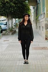 Elsa Gervasi - Stradivarius Blouse, Primark Pants, Suiteblanco Hat, Stradivarius Oxfords - Oxfords