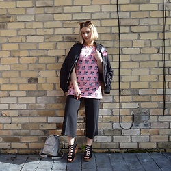 Ellie Fowler - Pop Boutique Cat Eyes, Patta No Fear Tee, Topshop Bomber Jacket, New Look Culottes, Lamoda Babygirl Bag, New Look Lace Up Sandals - My summer sandal