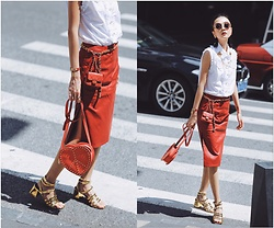 ALULU - Moschino Bag, Zara Shoes, Chanel Belts, Gucci Shirt, Frontrowshop Skirt, Hermès Watch - Vintage style