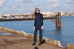 Yulia Sidorenko - Oasap Top, Wholesalebuying Bag, H&M Boots - Cropped flare jeans