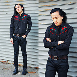 Xanthium James - Shelper's Cattleman Rose Embroidered, Uniqlo Full Buckle, Kill City Coated Indie Fit, River Island Rowdy - 查看你的左肩在公寓。