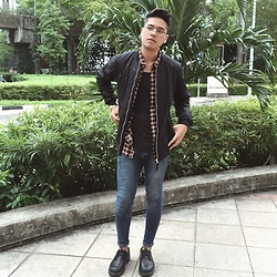 Sham S. - Topman Skinny Jeans, Doc Martens Shoes, Pull & Bear Bomber, Flannel, H&M Low Cut Tee - Dead Mow Cinco