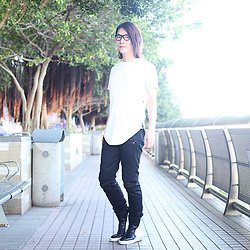 Philip Mak - Pyer Moss Perforated White Tee, Balmain Black Biker Jeans - Monochrome