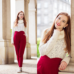 Sonja Vogel - Loavies Red High Waisted Trousers, Sacha Espadrilles, H&M Turtleneck Knit Sweater - Casual in Copenhagen