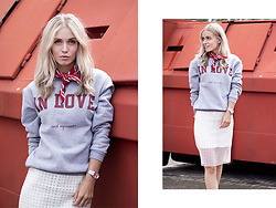 Anita VDH - Frontrowshop Skirt, Rad.Co Sweater - In love with