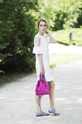 Olga Oktawia - Zara Dress, United Colors Of Benetton Bag, Moschino Shoes - Think pink!
