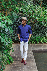 Igee Okafor - Goorin Brothers Dean The Butcher Wool Felt Hat, Uniqlo Oxford Shirt, H&M Trousers, Jack Erwin Penny Loafers, Warby Parker Sunglasses - CASUAL: STYLING THE BLUE OXFORD SHIRT FOR SUMMER