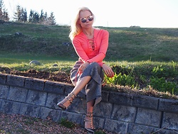 Karine Kollshaugen - Gina Tricot Top, Kappahl Pants, Valentino Shoes, Lindex Sunglasses - P for peachy style