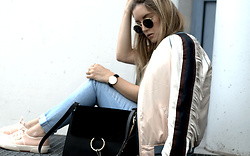 Fashiontwinstinct - Superga Sneaker, Scotch & Soda Jeans, Ray Ban Sunnies - Fringe bomber.