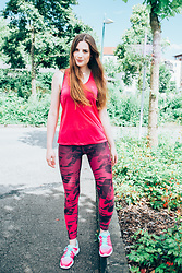 Andrea Funk / andysparkles.de - We Fashion Leggings, Adidas Sneakers - WE Fashion - Work Out Look
