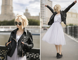 Lena Ushakova - Acne Studios Leather Jacket, T Skirt Skirt, T Skirt Top, Nike Sneakers - Cloudy grey set