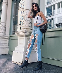 Gizele Oliveira - Fig&Viper Pants, Urban Outfitters Top, Louis Vuitton Backpack, Opening Ceremony Boots - Summer mood