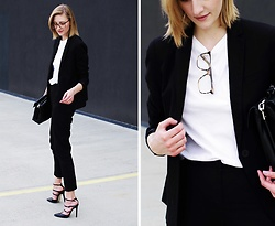 Katarina Vidd - All On My Blog - Suit up.