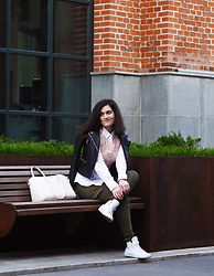 Ksen Ksen - Zara Jacket, Uniqlo Shirt, H&M Pants, Converse Sneakers, Bershka Bag - Pink top