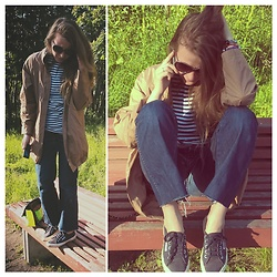 Alla Dolzhenko - Wrangler Cutting Jeans, Striped Vest, Superga Dark Blue Supergas, Send Cloak, H&M Frames - Incoming call