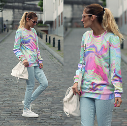 Ruxandra Ioana - Mr. Gugu & Miss Go Sweatshirt, Minna Parikka Sneakers - Rainbow colours