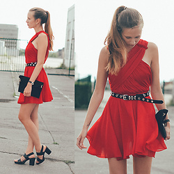 Anna Katina - The Kooples Red Dress, Other Stories Black Highheels - Coquelicot