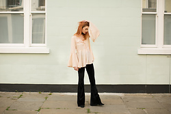 Hannah Louise - Boohoo Flared Sleeves Top - Flared Everything