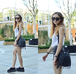 Ola Brzeska - Sinsay Sunglasses, Stradivarius Crochet Top, New Look Tassel Bag, Demonia Creepers, Bershka Shorts - Crochet