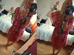 Kelly Doll - Asos Red Flower Dress - Feel like an hippie