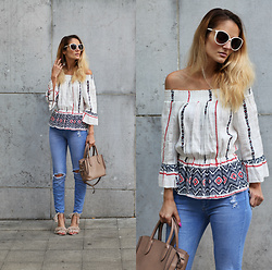 Ruxandra Ioana - Poppy Lovers Blouse, Zaful Sandals - That's our thing