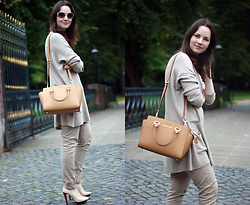 Albina Van den Berg @albinaberg - Michael Kors Bag, Zara Nude Shoes, Costes Long Top, Costes Nude Trousers - Nude
