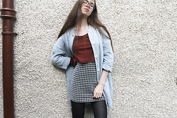 Lois H - Topshop Ribbed Crop Top, Zara Skirt, Zara Linen Coat - Skirt