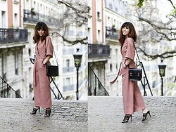 FromAmandaWithLove - Asos Jumpsuit With Kimono Sleeve, Asos Jumpsuit With Kimono Sleeve, Theleathersatchelcompany Mini Cartable, Theleathersatchelcompany Mini Cartable, Asos Havana Wide Fit Caged Mules, Asos Havana Wide Fit Caged Mules - Pink comfit girl in Montmartre