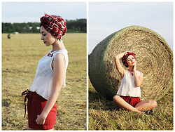 Aleksandra L. - Mango Top, Vero Moda Scarf, Mango Shorts - PEACEFUL