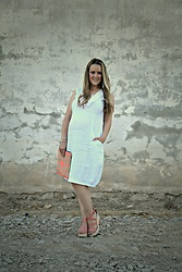 Emma MAS - Ohma Cotton Dress, Mango Clutch, Stradivarius Wedges - Ohma white dress