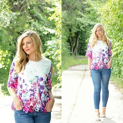 Rachel @Rachel's Lookbook - Chic Wish Floral Cutout Top, Just Fab Jeans, Just Fab Heeled Sandals - Summer Top