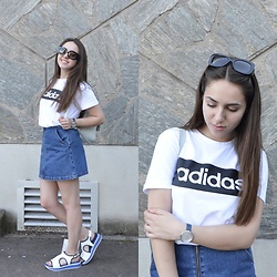 Valeria - Adidas Tshirt, Zara Skirt, Prada Sunglasses, Skagen Watch, Zara Backpack, Nila&Nila Sandals - 90's and good weather