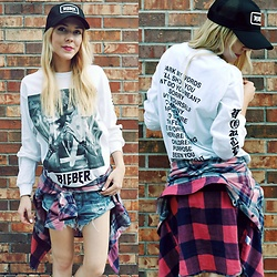 Zuzana - Justin Bieber Merch, One Teaspoon Denim Shorts, Rails Checkered Shirt - Justin Bieber's Purpose Tour Merch ♥