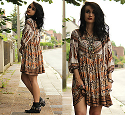 Tessa Diamondly - Free People Dress, Spell Designs Gypsy Rocker Boots - Midsummer's Dreamin'.