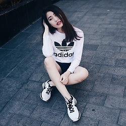 Deasy Tantra - Adidas Long Sleeves Tshirt, Nike Shoes - Nothing More Casual Than This