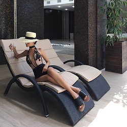 Tina Sizonova - Swimwear, H&M Straw Hat - SPA