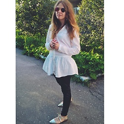 Alla Dolzhenko - Gloria Jeans White Shirt, H&M Leather Pants, Gold Flats, Framea, H&M Rings - WHITE mood