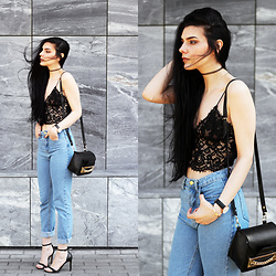 CLAUDIA Holynights - Sheinside Jeans, Daniel Wellington Watch - Denim and lace