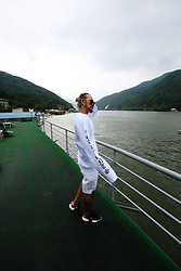 INWON LEE - Byther Black Frame Blue Lens Sunglasses, Byther English Lettering Detail Long Sleeve T Shirt - Long White in the River