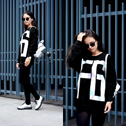 Sofija Lukjanska - Fyodor Golan Jumper, Stradivarius Backpack, H&M Shoes - FYODOR GOLAN JUMPER