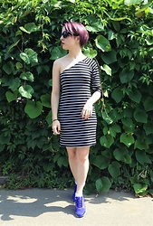 Anastasiia - New Look Striped Dress, Reebok Easytone, Cropp Town Sunglasses - One Hand Sun Tan