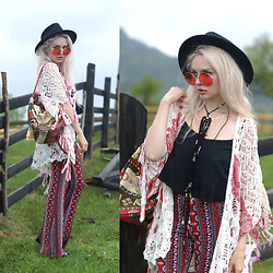 Meda Motisan - H&M Pants, Stradivarius Cardigan, Bershka Top, Zara Hat, Freyrs Sunnies - Mountain boho girl