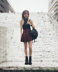 Chiemi Ito - H&M Top, H&M Skrit, Unif Bag, Unif Boots - Grunge girl