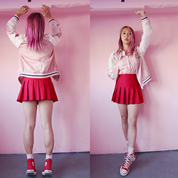 Jin Jung - Stradivarius Bomber, Madewell Shirts, American Apparel Tennis Skirt, Converse Sneakers - Sweet World